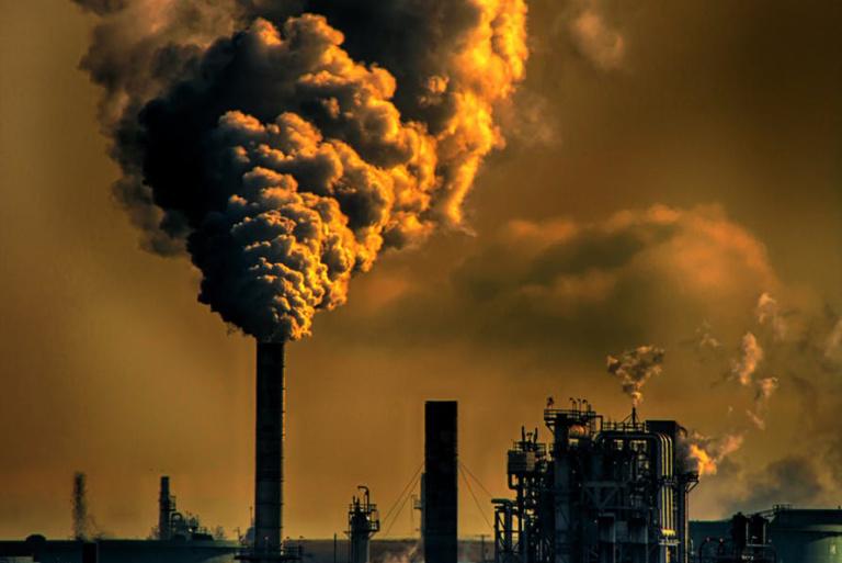 Czy wiesz, że zanieczyszczone powietrze ma wpływ na cerę przyspieszając proces starzenia ?
